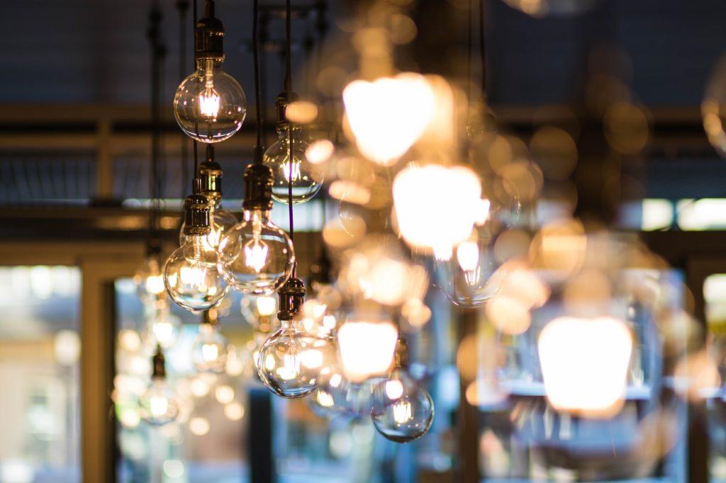 Pendant lamp in bar